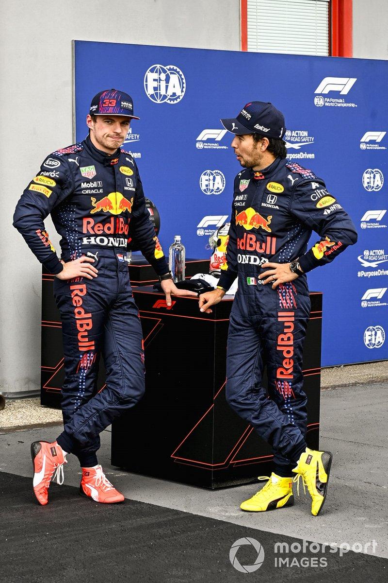 Max Verstappen, Red Bull Racing, e Sergio Perez, Red Bull Racing, parlano dopo le Qualifiche