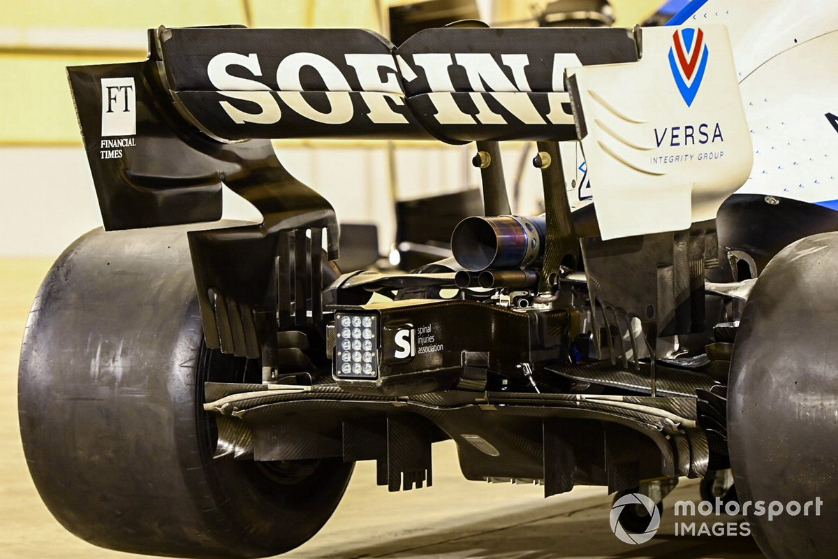 Williams FW43: Heckpartie