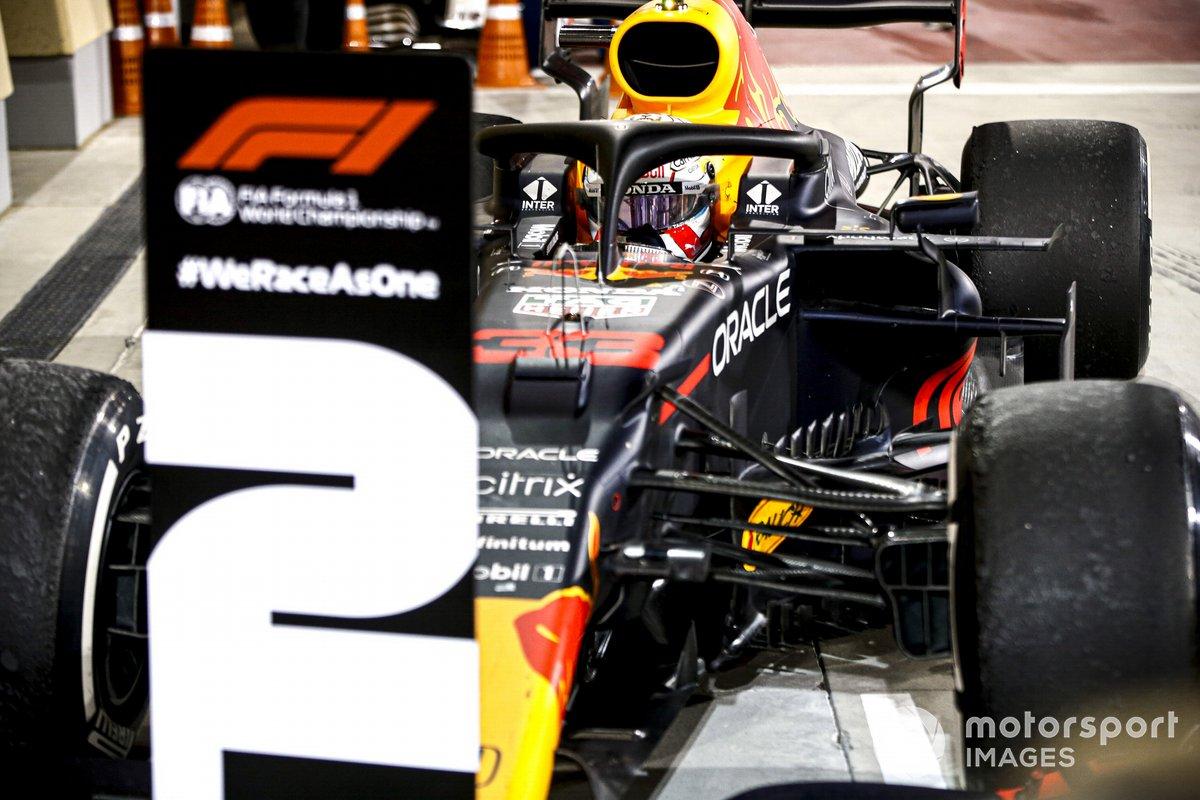 Max Verstappen, Red Bull Racing RB16B, 2°posto, arriva nel Parco Chiuso