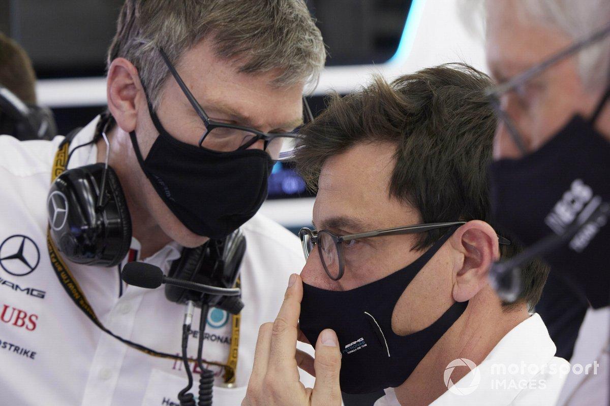 James Allison, Technical Director, Mercedes AMG, e Toto Wolff, Team Principal e CEO, Mercedes AMG