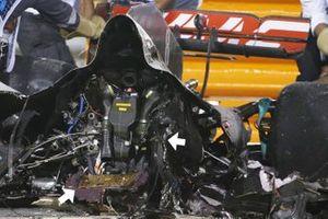 La batterie sur les restes de la monoplace de Romain Grosjean, Haas VF-20