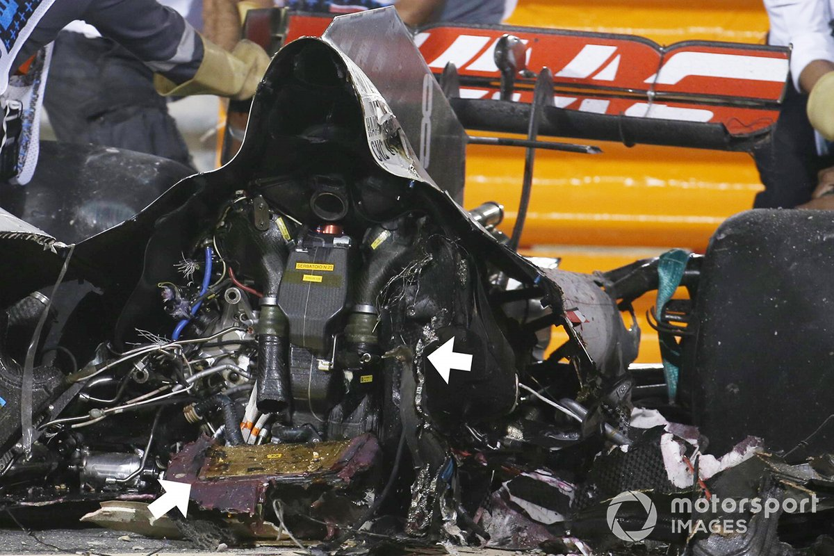 Dettaglio della batteria e dei resti dell'auto di Romain Grosjean, Haas VF-20