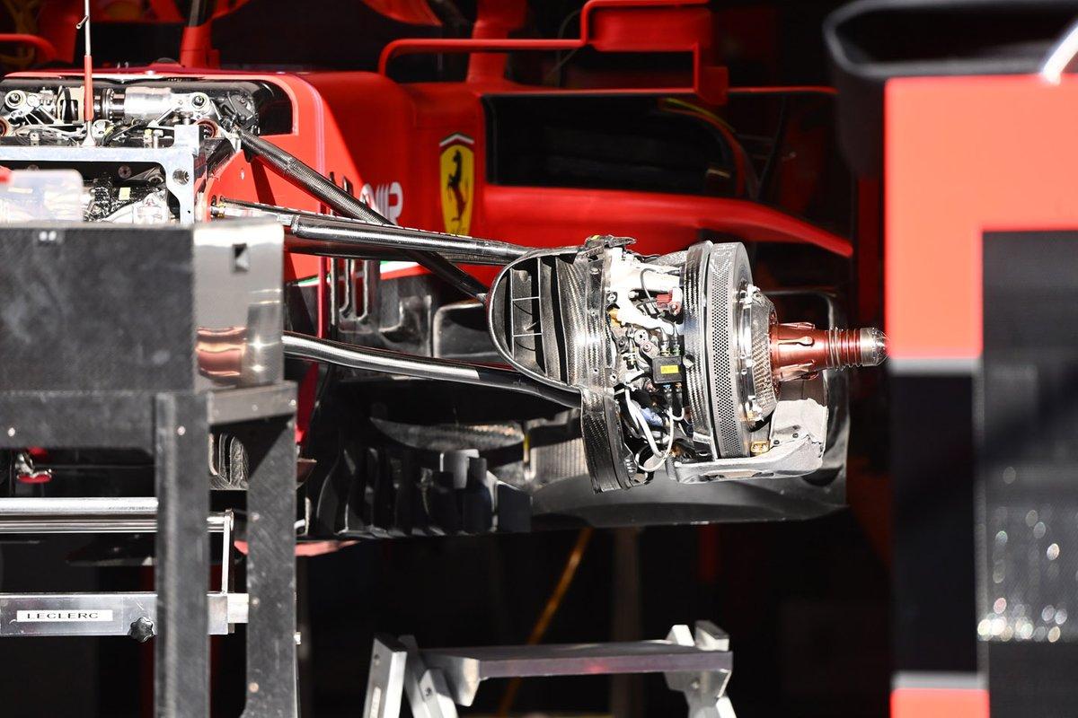 Detalle del freno delantero del Ferrari SF1000