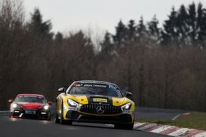 #140 Black Falcon Team TEXTAR Mercedes-AMG GT4: Mustafa Mehmet Kaya, Gabriele Piana, Mike Stursberg