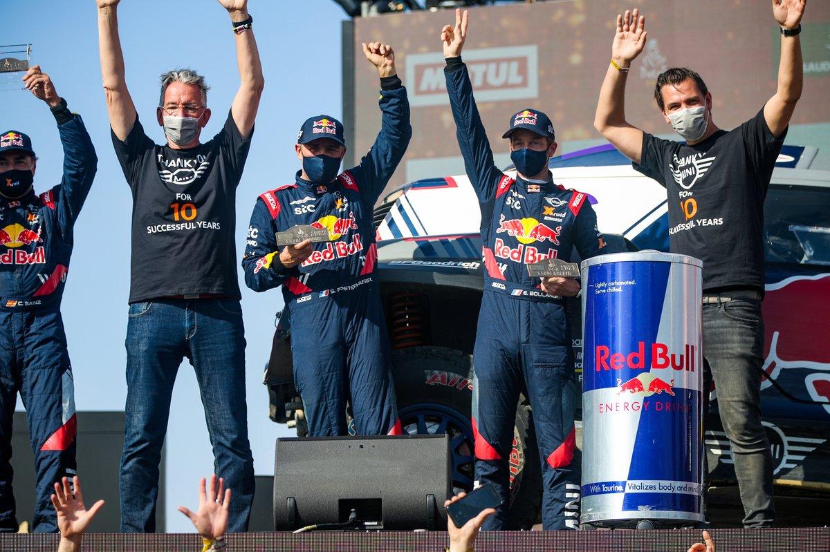 #302 X-Raid Mini JCW Team: Stéphane Peterhansel, Edouard Boulanger with Sven Quandt, X-Raid Team