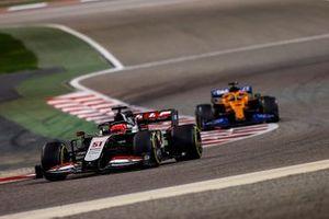 Pietro Fittipaldi, Haas F1 Haas VF-20, Carlos Sainz Jr., McLaren MCL35
