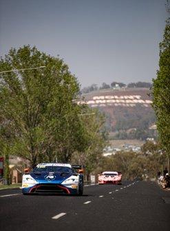 #188 Garage 59 Aston Martin Vantage AMR GT3: Alexander West, Chris Goodwin, Come Ledogar, Maxime Martin