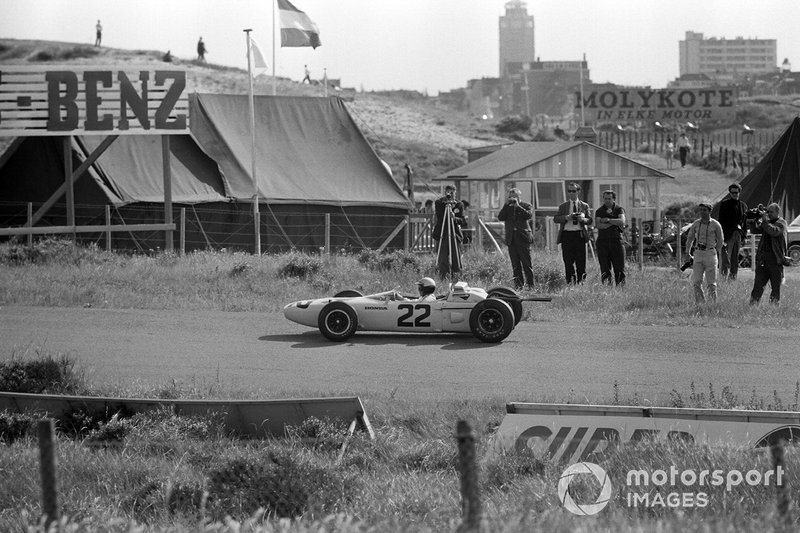 Zandvoort 1965: Richie Ginther met de Honda RA272