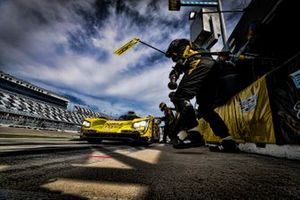 #85 JDC-Miller Motorsports Cadillac DPi, DPi: Matheus Leist, Chris Miller, Tristan Vautier, Juan Piedrahita, pit stop