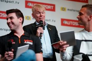 Presenter Alan Hyde interviews the BTCC drivers on the Autosport stage