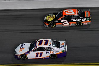 Denny Hamlin, Joe Gibbs Racing, Toyota Camry FedEx Express, Austin Dillon, Richard Childress Racing, Chevrolet Camaro Bass Pro Shops/Tracker OffRoad