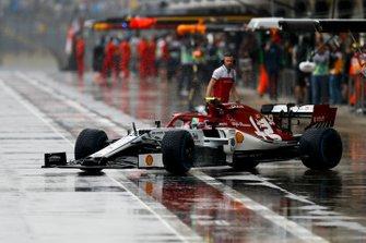 Antonio Giovinazzi, Alfa Romeo Racing C38, leaves the garage