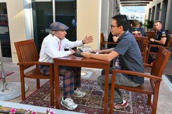 Sir Jackie Stewart en Motorsport.com-journalist Erwin Jaeggi