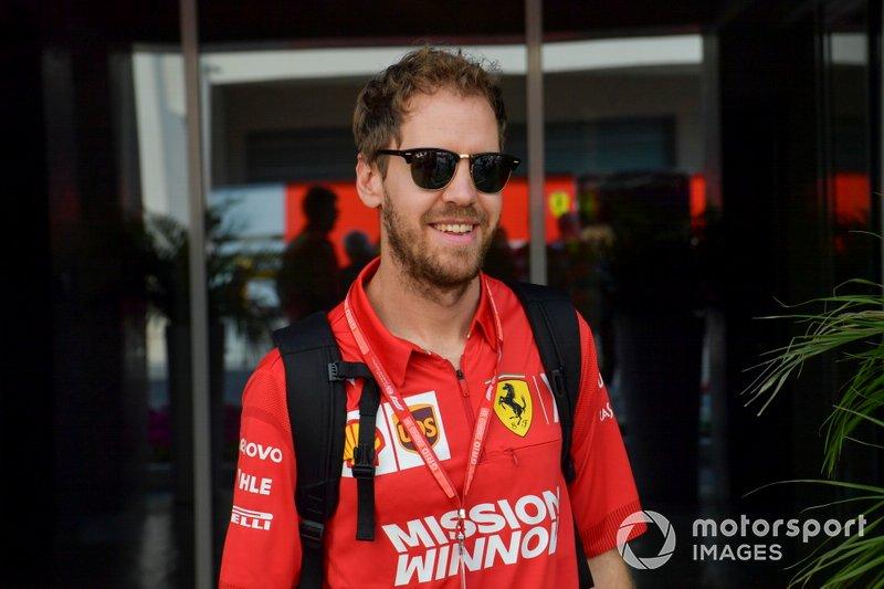 Em 2020, o alemão também encara seu último ano de contrato com a Ferrari, deixando as portas abertas ao inglês.