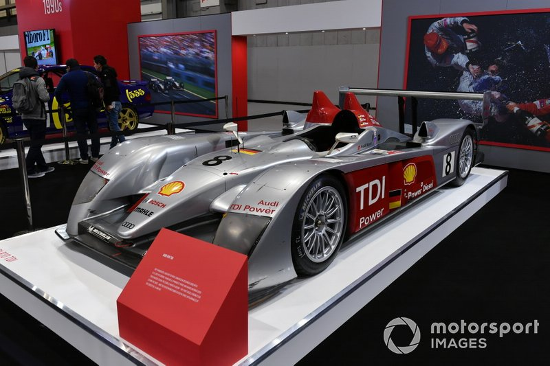The Audi R10 TDi on the Autosport stage