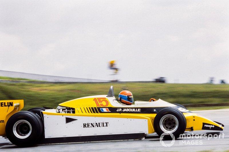 В пятницу быстрее всех проехал Жан-Пьер Жабуй на Renault: на высоте 800 метров над уровнем моря турбина приносила даже больше преимущества, чем обычно. Так как круг в Сан-Паулу был очень длинным, на его преодоление у гонщика ушло 2 минуты и 21 секунда