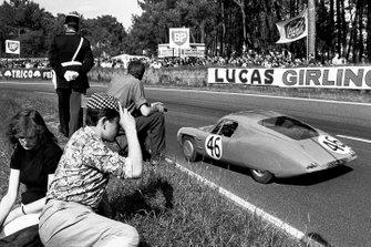 Роже де Лагенест и Генри Моррог, Alpine M64 Renault