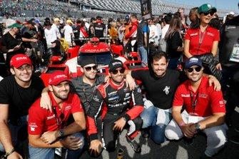 #31 Whelen Engineering Racing Cadillac DPi, DPi: Filipe Albuquerque, Pipo Derani, Mike Conway, Felipe Nasr, fans