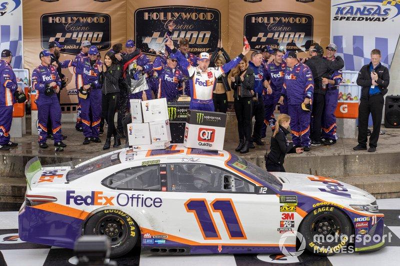 Ganador Denny Hamlin, Joe Gibbs Racing, Toyota Camry
