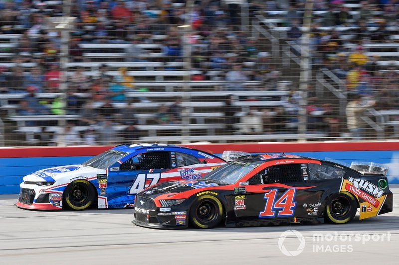 Ryan Preece, JTG Daugherty Racing, Chevrolet Camaro Kroger, Clint Bowyer, Stewart-Haas Racing, Ford Mustang Mobil 1 / Rush Truck Centers