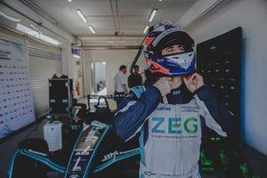 Teste de Sérgio Jimenez em carro da Fórmula E em Valência