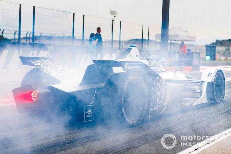Edoardo Mortara, Venturi, EQ Silver Arrow 01, burn out in the pit lane