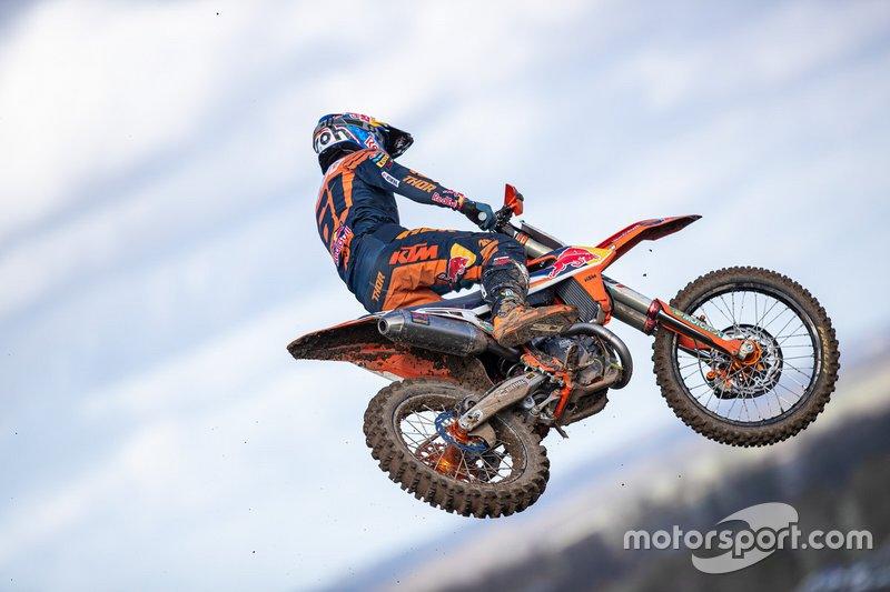 El MXGP aplazó hasta octubre las citas que iban a disputarse en abril en España y Portugal. Y la Real Federación Motociclista Española anunció que suspendía todos sus eventos de marzo.