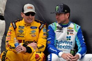 Michael McDowell, Front Row Motorsports, Ford Mustang Love's Travel Stops and Kurt Busch, Chip Ganassi Racing, Chevrolet Camaro AdventHealth