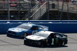 Ryan Blaney, Team Penske, Ford Mustang PPG Kurt Busch, Chip Ganassi Racing, Chevrolet Camaro Monster Energy
