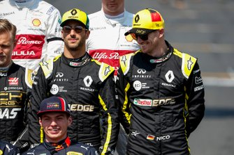 Daniel Ricciardo, Renault F1 Team and Nico Hulkenberg, Renault F1 Team