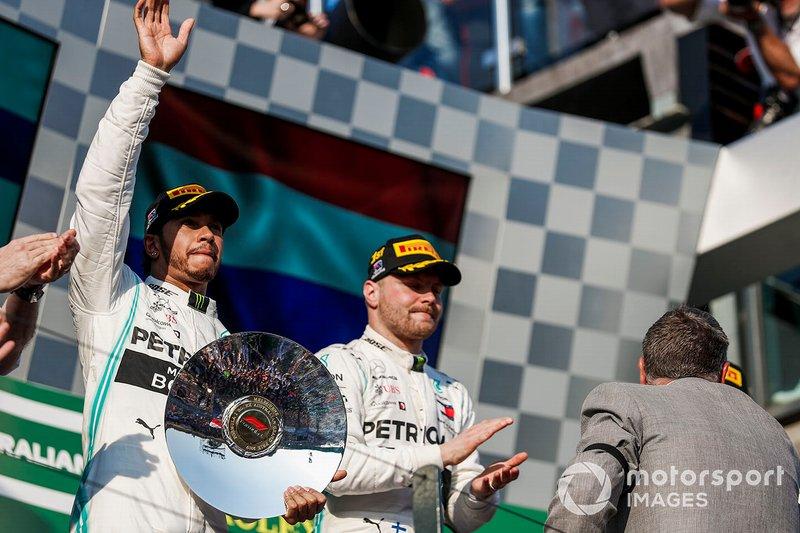 Это же круто! Гонщики Mercedes будут бороться друг с другом!