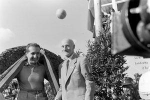 Alberto Ascari en el podio