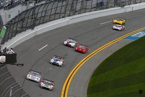 Райан Бриско, Ричард Уэстбрук, Скотт Диксон, Chip Ganassi Racing, Ford GT (№67), Матье Жамине, Эрл Бамбер, Лоренс Вантхор, Porsche GT Team, Porsche 911 RSR (№912)