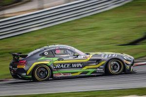 #111 Team iRace.Win Mercedes-AMG GT4: Ringo Chong, Setiawan Santoso