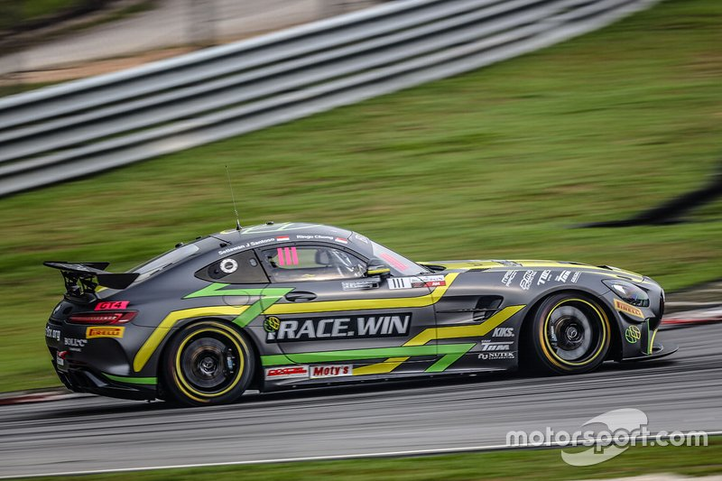 #111 Team iRace.Win Mercedes-AMG GT4: Setiawan Santoso