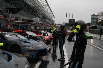 #62 R-Motorsport Aston Martin Vantage AMR GT3: Matthieu Vaxivière, Maxime Martin, Matt Parry