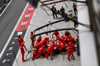 Charles Leclerc, Ferrari SF90, makes a pit stop