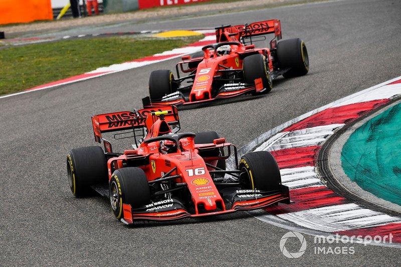 Ordem de equipe da Ferrari: logo a escuderia italina deu a ordem para o piloto monegasco deixar o alemão passar