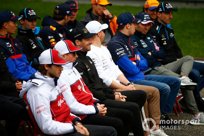 Drivers gathered for the F1 1000 photo call