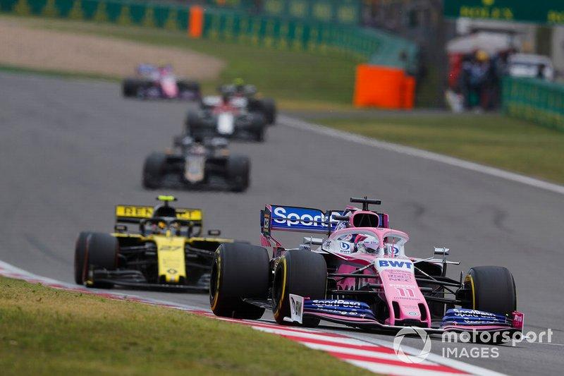 Sergio Perez, Racing Point RP19, y Nico Hulkenberg, Renault F1 Team R.S. 19
