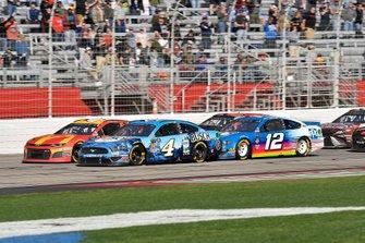 Kevin Harvick, Stewart-Haas Racing, Ford Mustang Busch Beer and Ryan Blaney, Team Penske, Ford Mustang