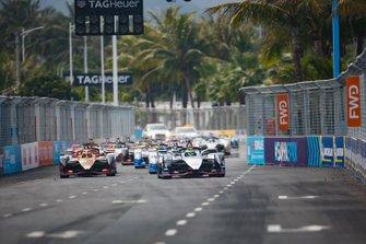 Oliver Rowland, Nissan e.Dams, Nissan IMO1, Jean-Eric Vergne, DS TECHEETAH, DS E-Tense FE19, Antonio Felix da Costa, BMW I Andretti Motorsports, BMW iFE.18, alla partenza