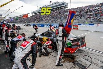 Matt DiBenedetto, Leavine Family Racing, Toyota Camry Toyota Express Maintenance pit stop