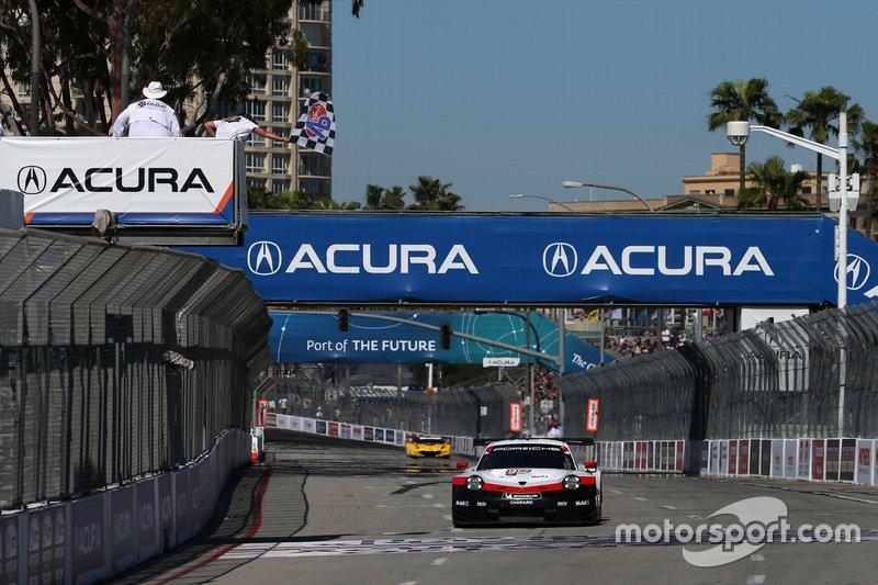 Ganador #912 Porsche GT Team Porsche 911 RSR, GTLM: Earl Bamber, Laurens Vanthoor