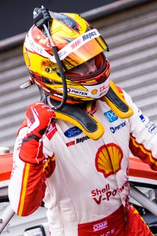 Race winner Scott McLaughlin, DJR Team Penske Ford