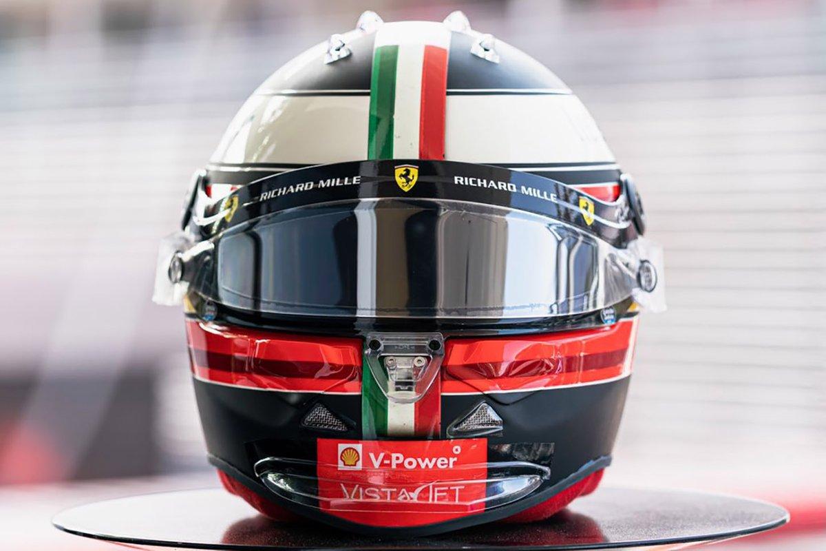 Шлем Карлоса Сайнса, Ferrari