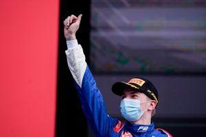 Robert Shwartzman, Prema Racing, 3rd position, celebrates