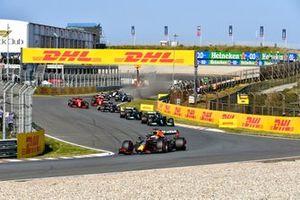 Max Verstappen, Red Bull Racing RB16B, Lewis Hamilton, Mercedes W12, Valtteri Bottas, Mercedes W12, and Pierre Gasly, AlphaTauri AT02