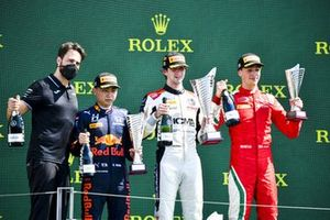 Ayumu Iwasa, Hitech Grand Prix , Lorenzo Colombo, Campos Racing e Olli Caldwell, Prema Racing festeggiano sul podio