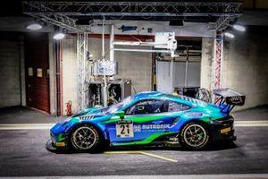 #21 Rutronik Racing Porsche 911 GT3-R: Sven Müller, Kevin Estre, Richard Lietz